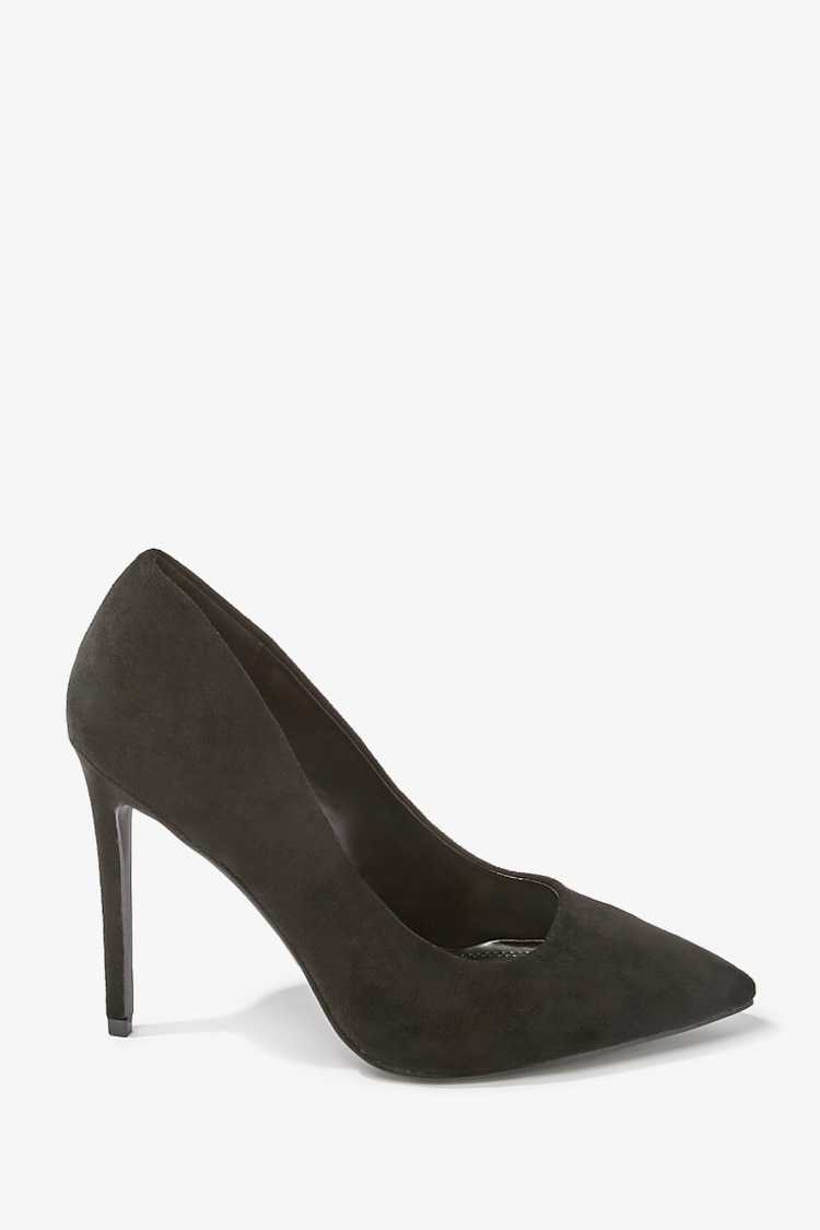 Forever 21 Faux Suede Pointed Pumps