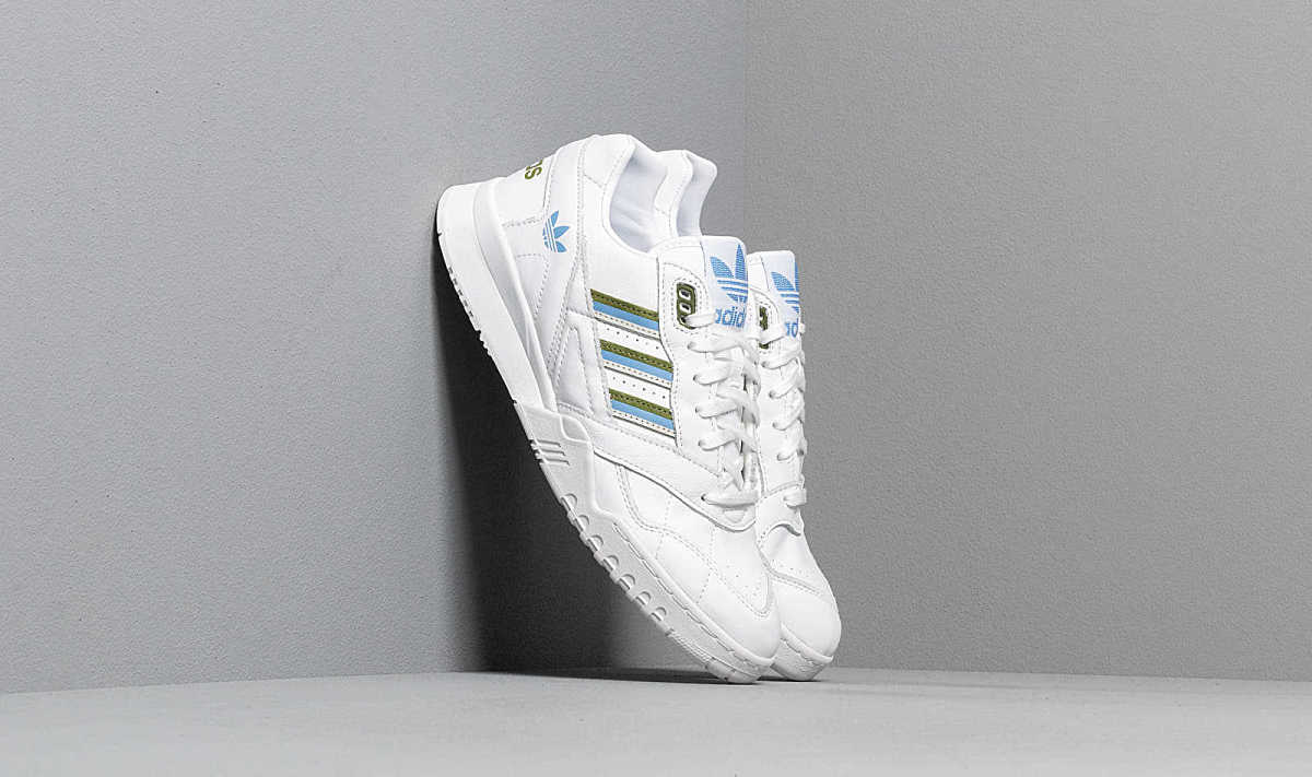 adidas A.R. Trainer W Ftw White/ Tech Olive/ Real Blue USA - GOOFASH - Womens SPORTS SHOES