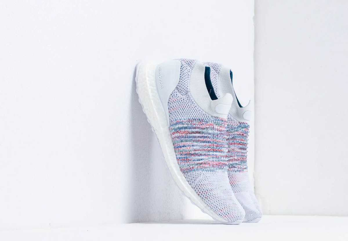 adidas Ultraboost Laceless W Ftw White/ Ftw White/ Actgrn USA - GOOFASH - Womens LEATHER SHOES