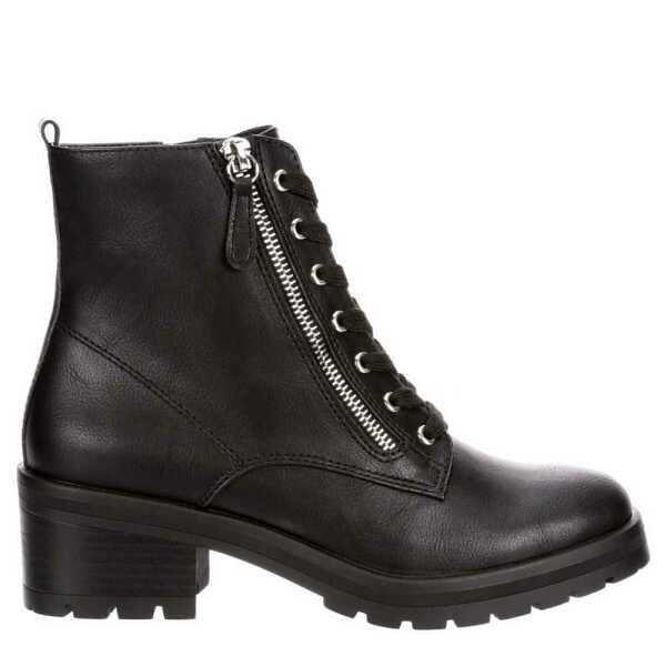 Womens Boots Trend Look