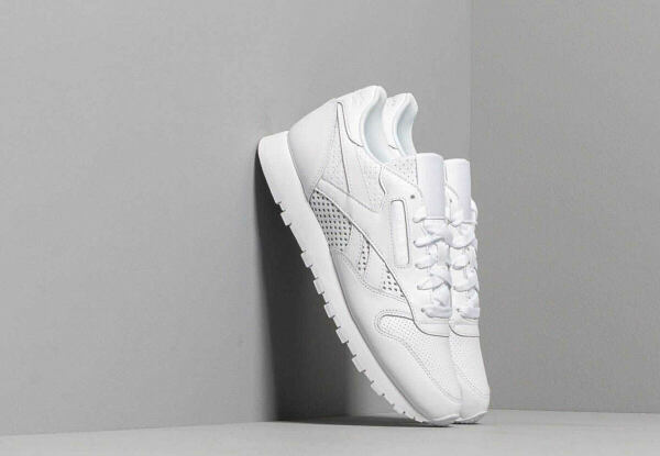 Reebok Classic Style Trends Outfit - Reebok Classic