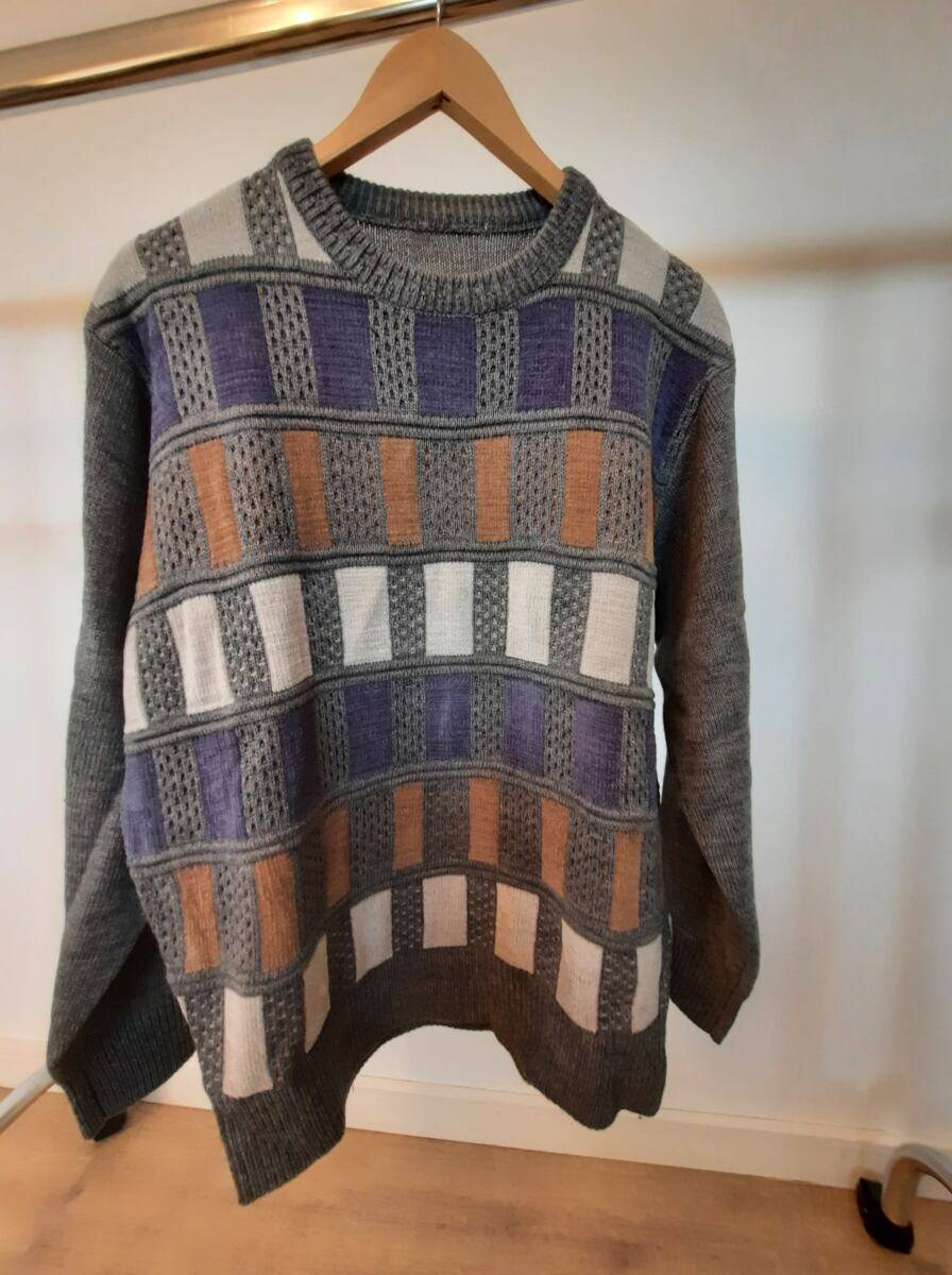 Grey men knitwear sweater with multicolor patchwork sample Ads MEN Ads Men FASHION Ads Men KNITWEAR Ads Men SWEATERS MEN Men FASHION Mens KNITWEAR Mens SWEATERS Womens SWEATERS