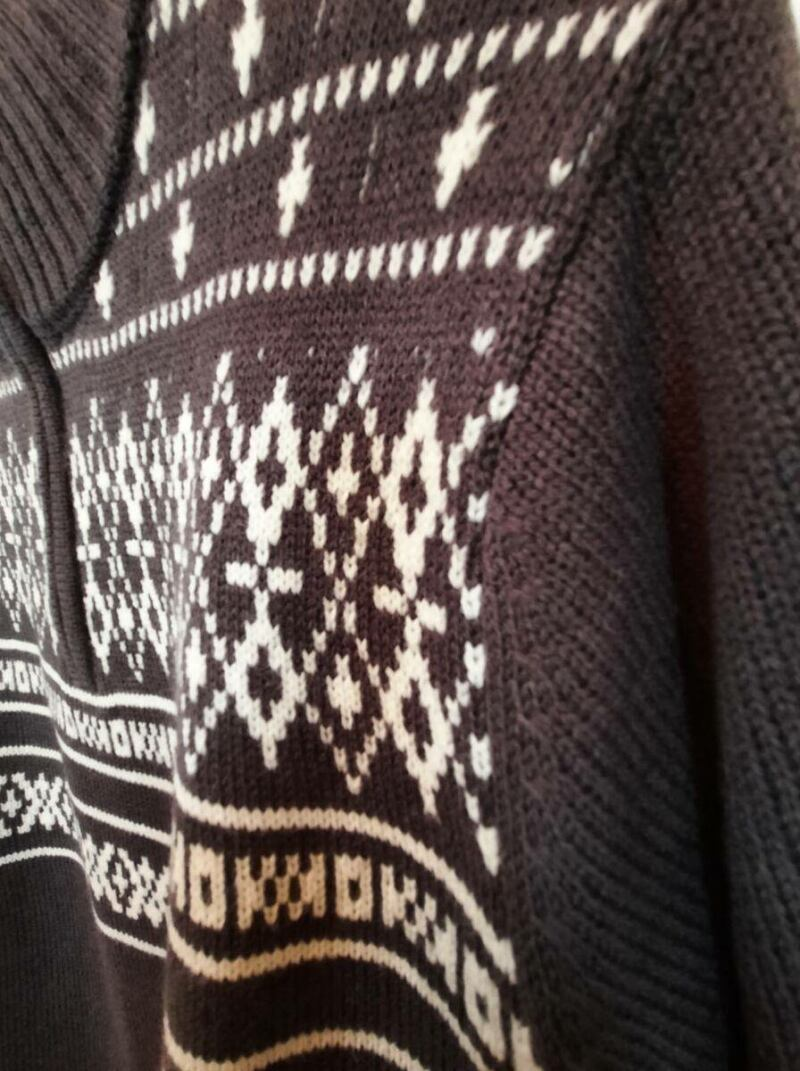 Grey men knitwear sweater with white patchwork sample Ads MEN Ads Men FASHION Ads Men KNITWEAR Ads Men SWEATERS MEN Men FASHION Mens KNITWEAR Mens SWEATERS Womens SWEATERS