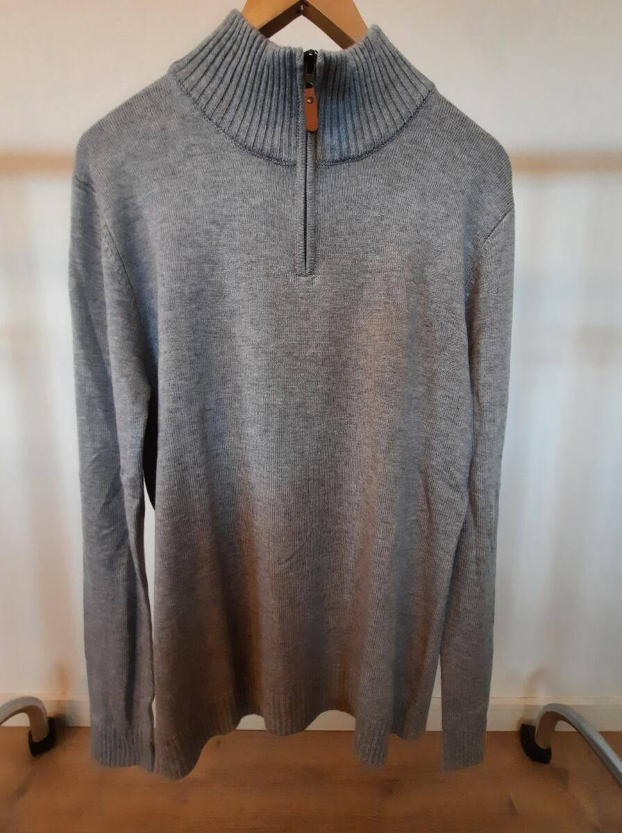 grey men knitwear sweater zipper sample 860432