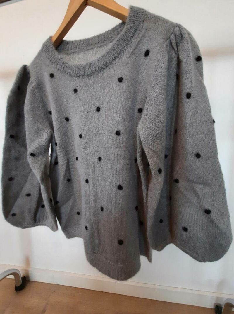 Grey women knitwear sweater with puffy sleeves sample Ads WOMEN Ads Women FASHION Ads Women KNITWEAR Ads Women SWEATERS WOMEN Women FASHION Womens KNITWEAR Womens SWEATERS