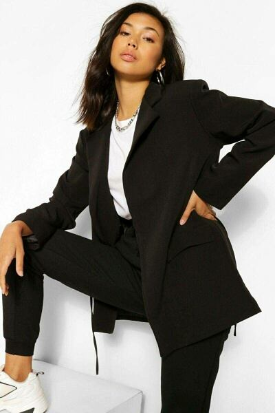 Boohoo UK Lady Blazer Style Trend Outfit
