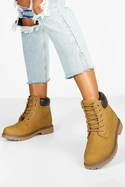 Boohoo UK Lady Boots Trend Outfits with your new post styles on GOOFASH