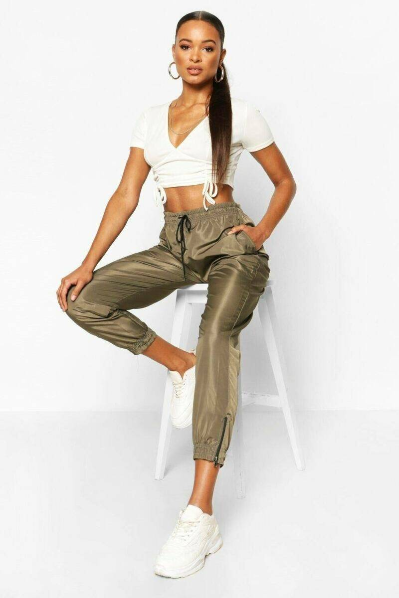 Boohoo UK Lady Trousers Trend Style