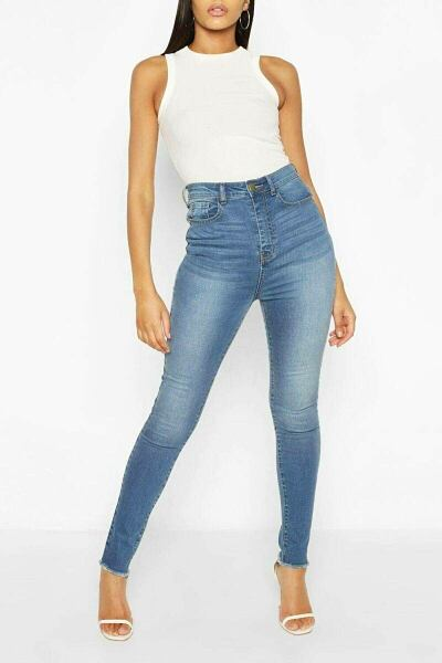 Boohoo UK Womens Jeans Trends Look Style