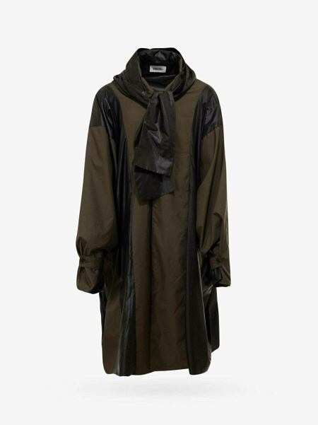 Raincoat Outfit Trend Styles