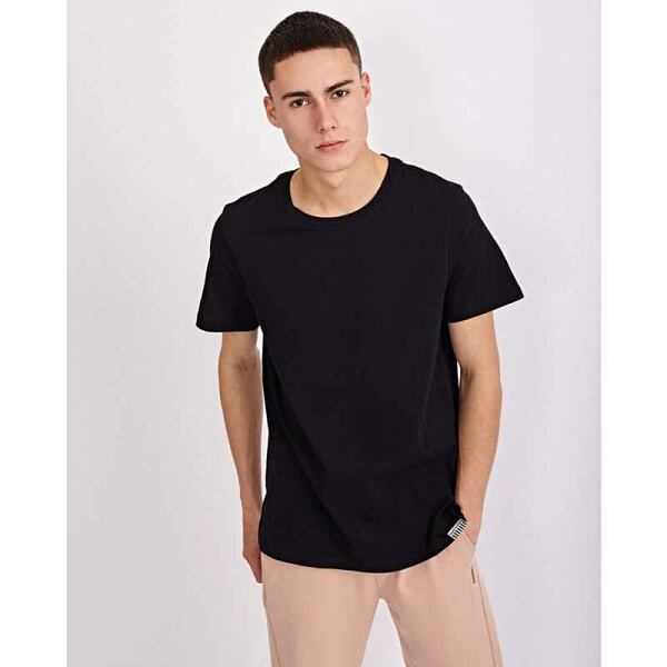 T-Shirts Outfits Trends Styles
