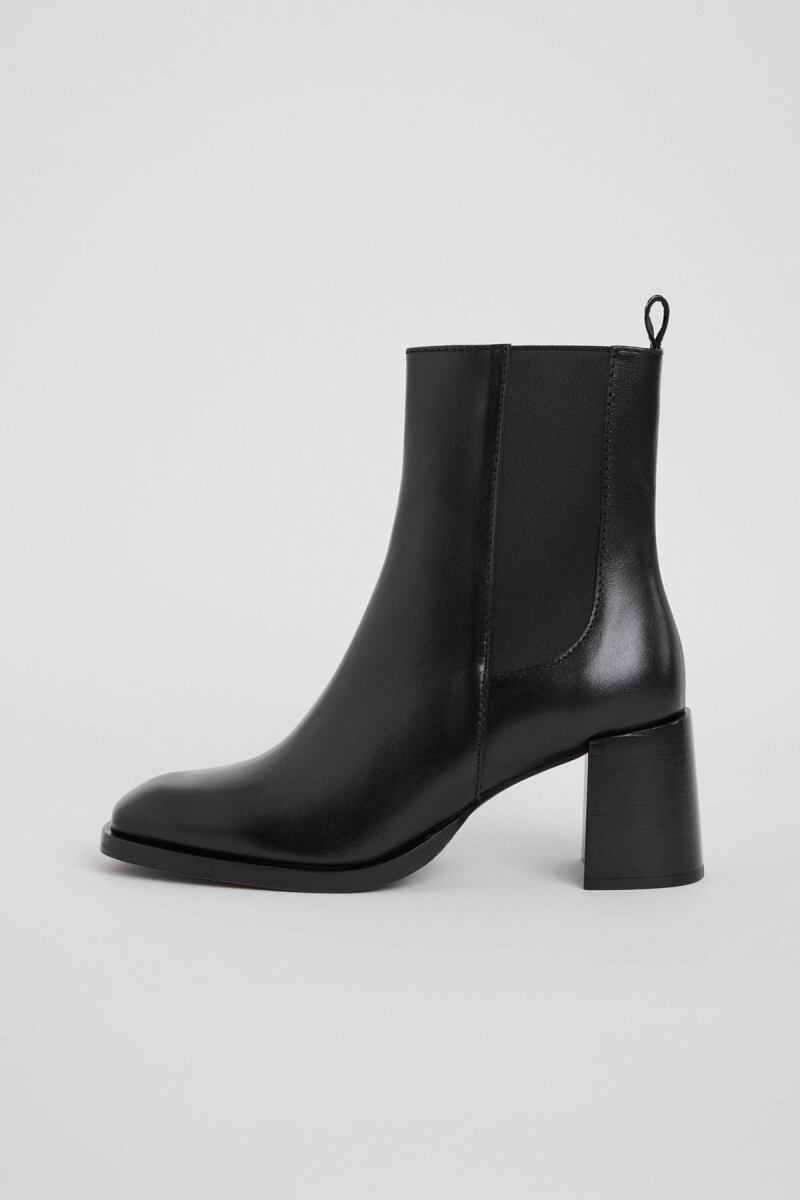 Florence Chelsea Woman Bootie Black WOMEN